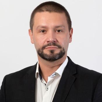 """""""Żadnych złudzeń czyli 13 grudnia""""-polemika z Konradem R.-widziane z USA"""