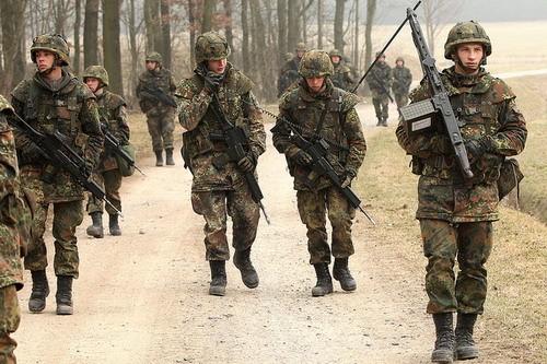 Zolnierze Bundeswehr `jako najemnicy`