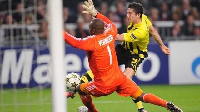 Dlaczego Lewandowski strzela bramki tylko w Borussii Dortmund?