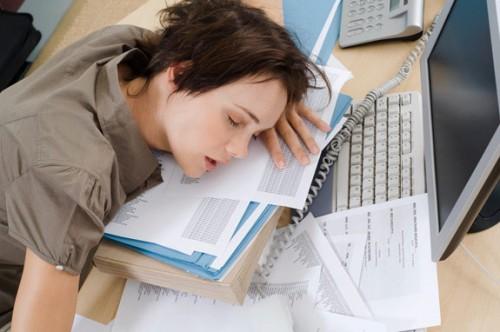 Jesteś ciągle zmęczony? To może być poważna choroba – epidemia XXI-ego wieku
