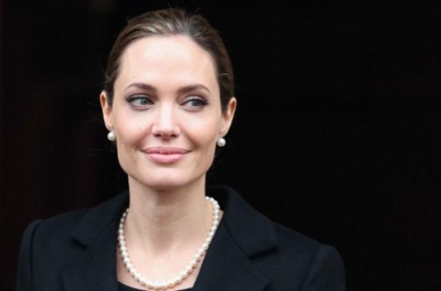 Nowy Wspaniały Świat i Angelina Jolie