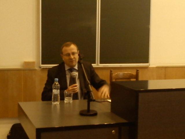 W Polsce rządzą urzędnicy a nie politycy