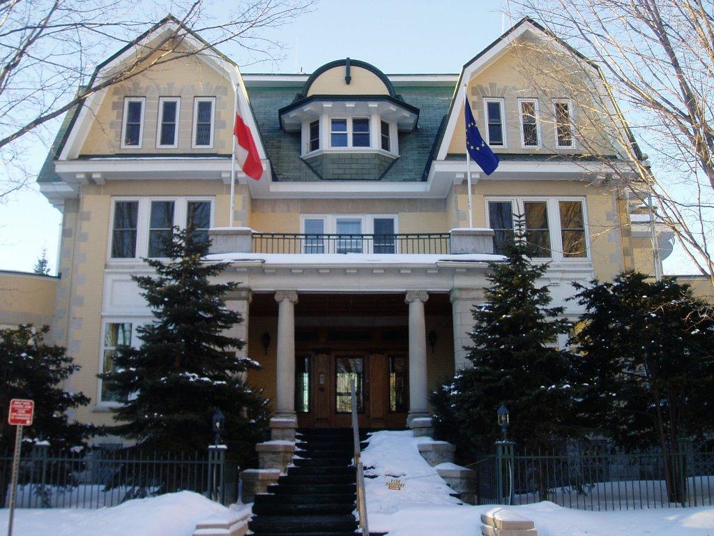 Pytania do Min. Sikorskiego o działania dyscyplinujące w Kanadzie
