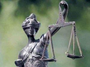 Tymczasowo aresztowany w warunkach wolnościowych zagroziłby sitwie zajmującej się bezprawiem