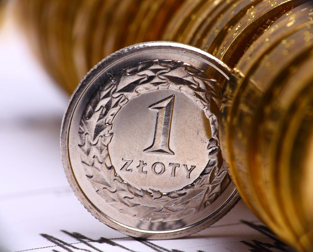 SKOK-i wciąż będą płacić więcej od banków