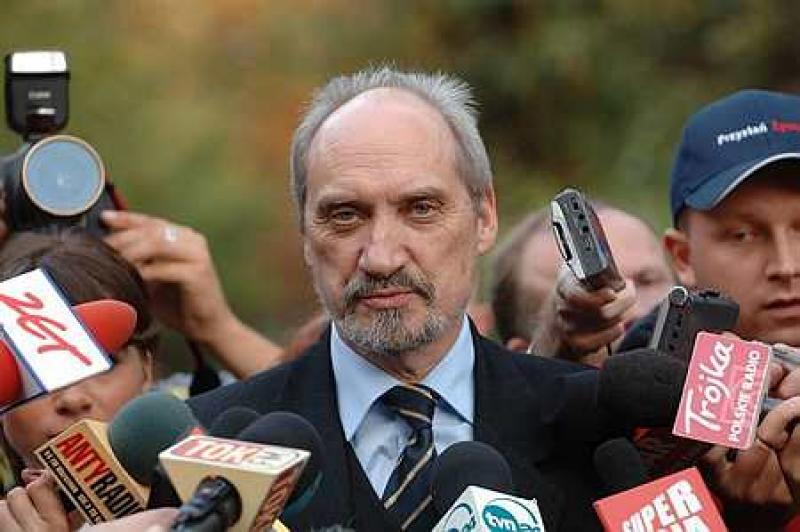 Macierewicz: prokuratorzy działali świadomie na szkodę śledztwa dot. Smoleńska