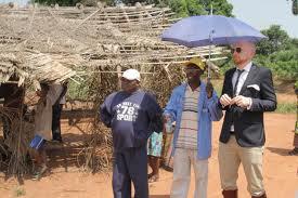 Biali z Europy wyjeżdżają  do pracy u Murzynów w Afryce