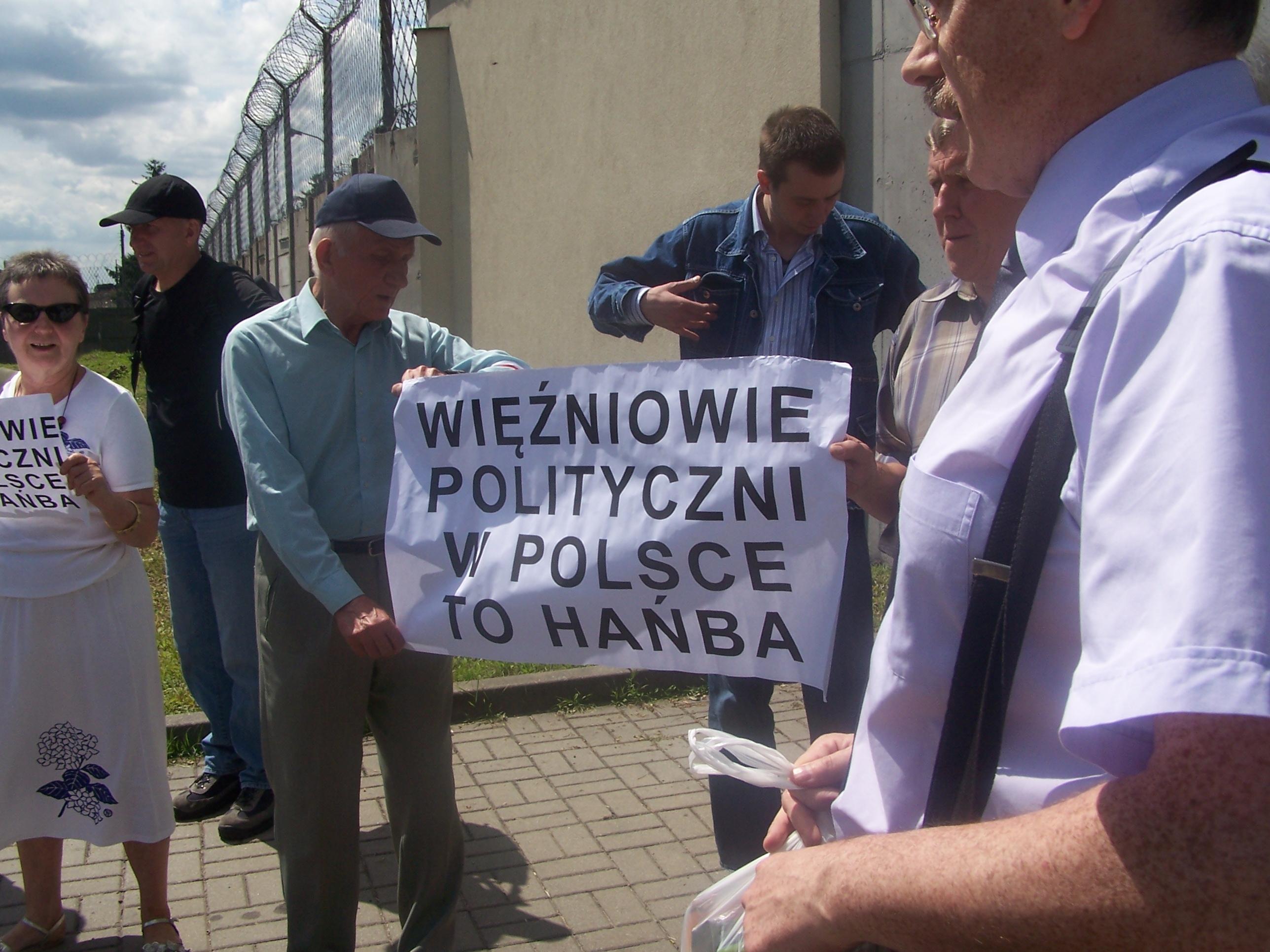 WOLNY CZYN: Więźniowie polityczni? Jacy więźniowie?
