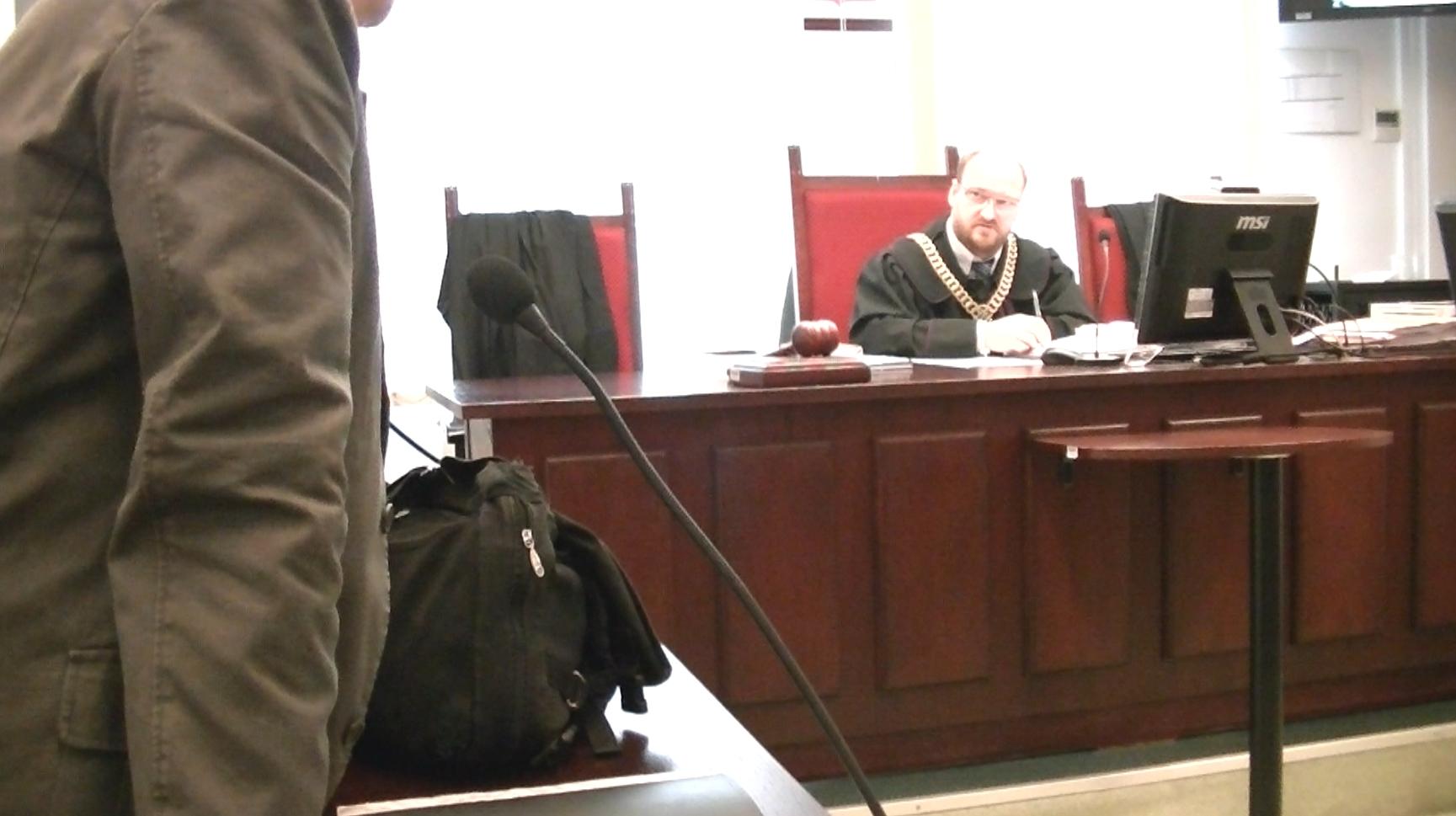 WOLNY CZYN: Gliwice: jawność rozpraw w sądach rasy panów (Herrenvolk)