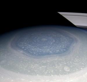 Heksagon na Saturnie