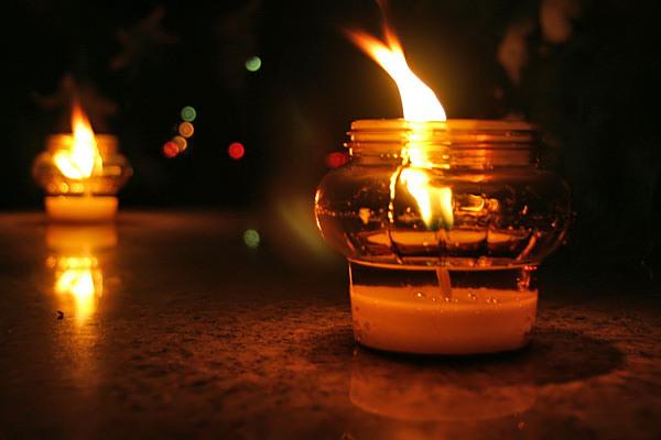 Światełka zadusznych zniczy