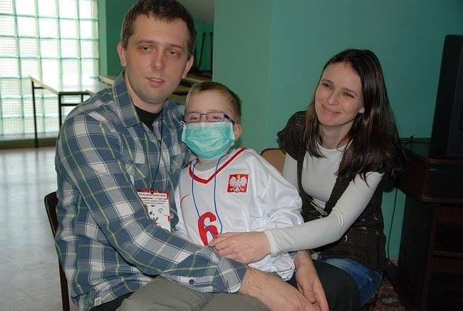 Rodzice adopcyjni walczą o życie Krystianka