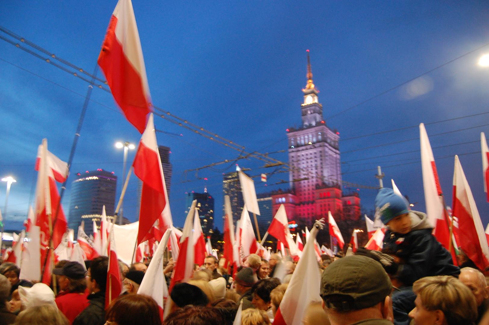 Memches: Polska  Katolickie państwo narodu polskiego