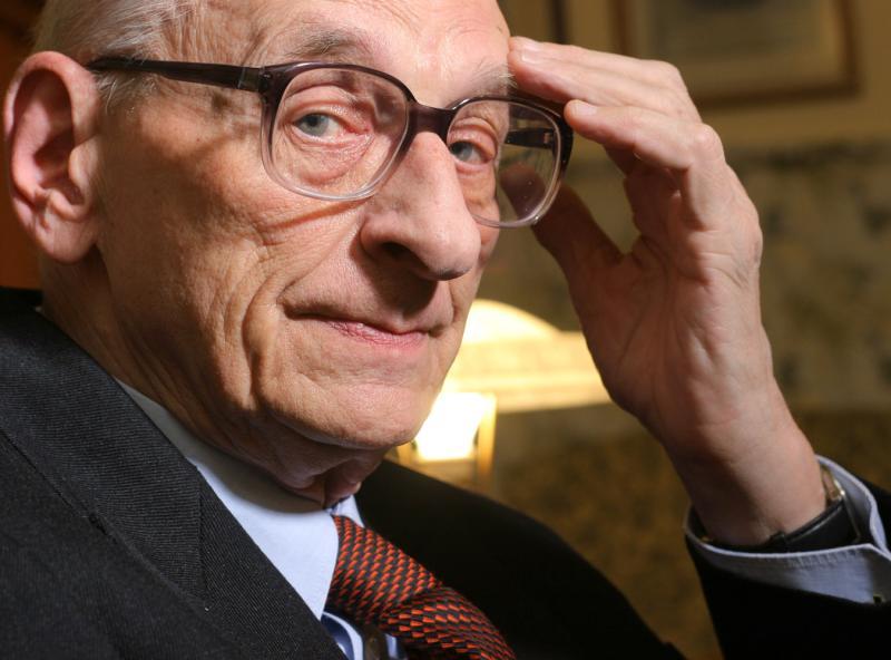 Władysław Bartoszewski w aktach IPN