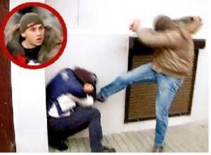 Już nie policjant, … tylko uliczny bandyta.