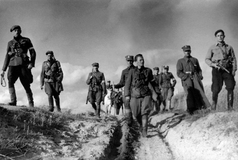 Żołnierze Niezłomni… winni zacofania PRL