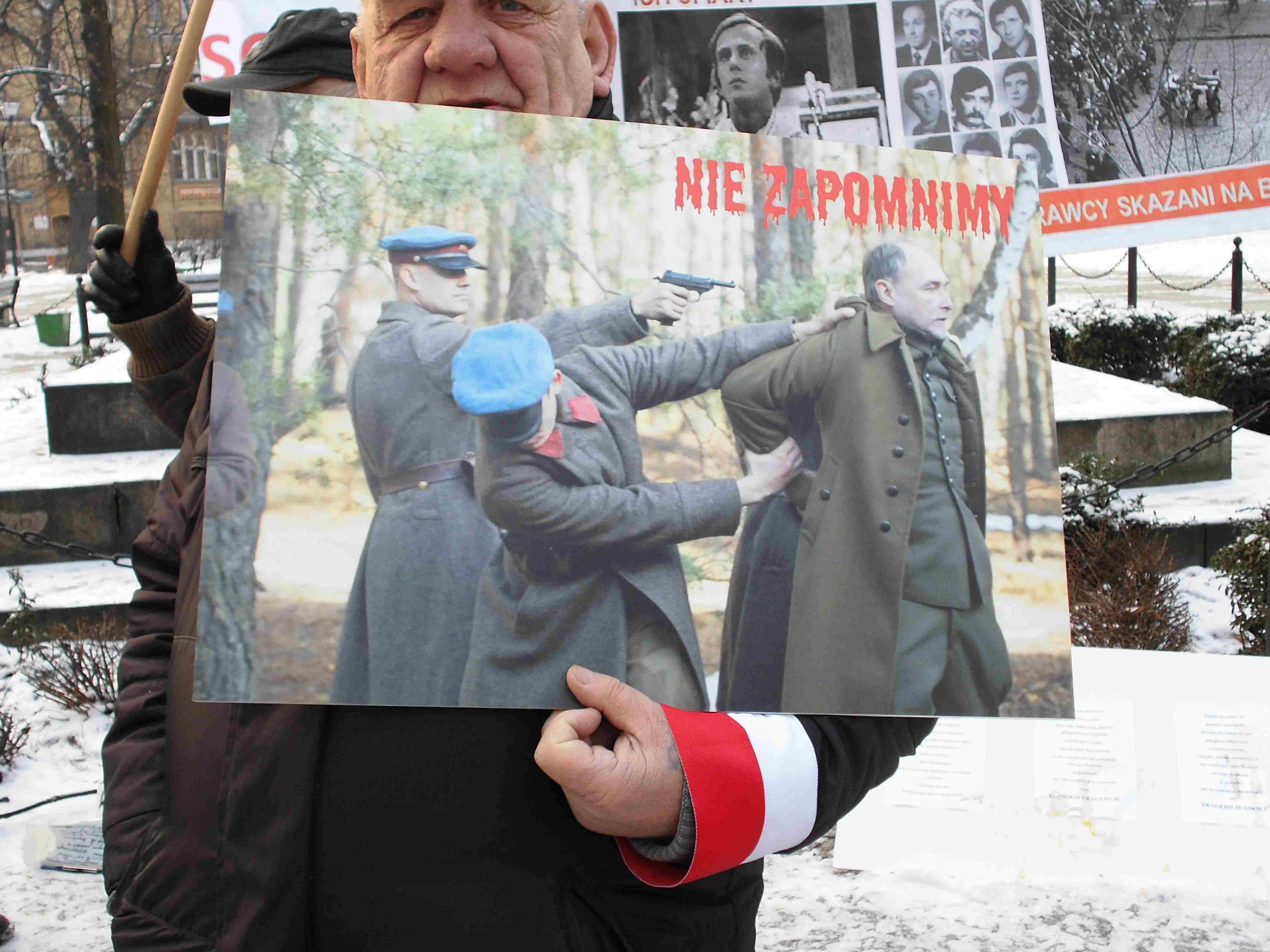 WOLNY CZYN: Pikieta pod pomnikiem NKWD 26 stycznia – Katowice (film!)