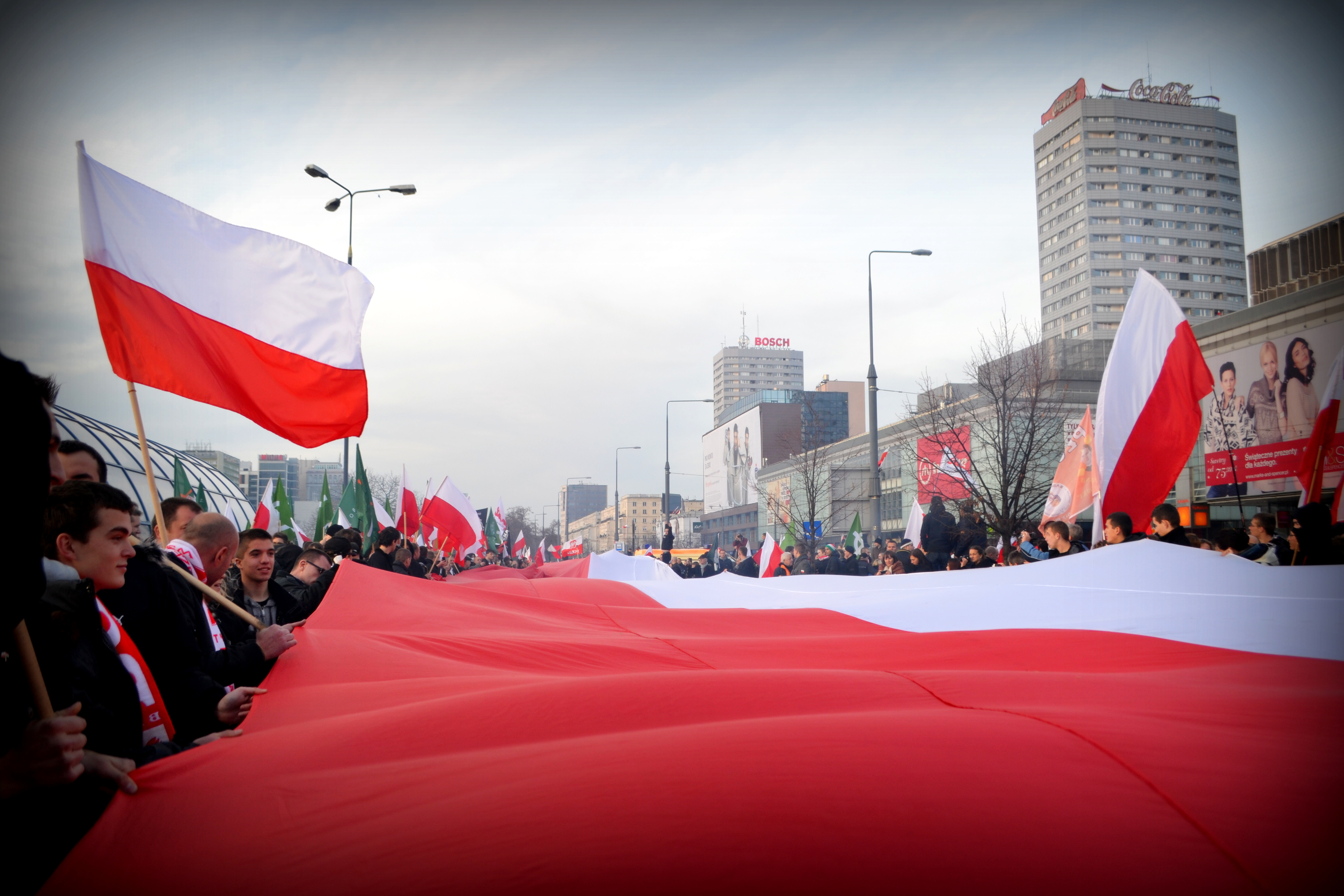Jak zniszczyć antysystemowy ruch protestu w Polsce?