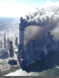 Źródło: http://www.terroryzm.com/wp-content/uploads/2001/09/wtc20.jpg