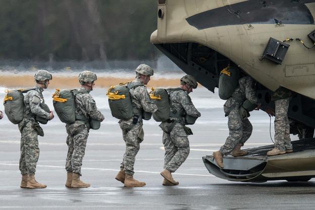 Kompania honorowa USA obroni nas przed Rosją!