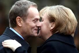 Nagły wyjazd Tuska do Merkel po gwarancje bezpieczeństwa?