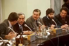 Postkomuniści i 4 czerwca -trudno o większe szyderstwo z prawdy
