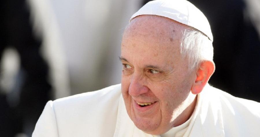 Papież subtelnie ośmiesza oponentów Kościoła