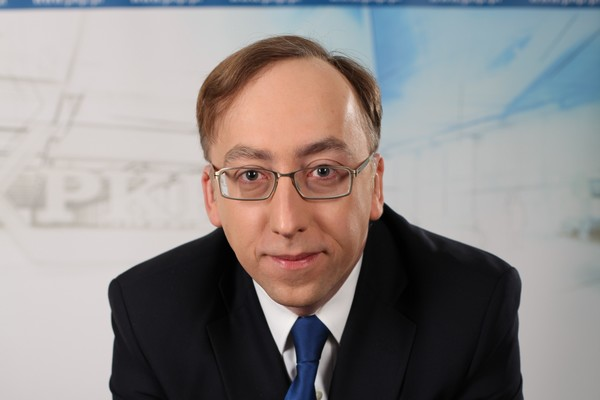 Prezes PKP dorabia w PZU