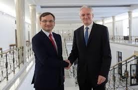 Ziobro Gowin chcą od Kaczyńskiego likwidacji podatku dochodowego