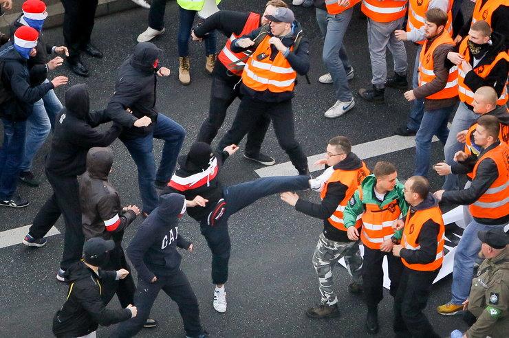 Hooligan Vermummt