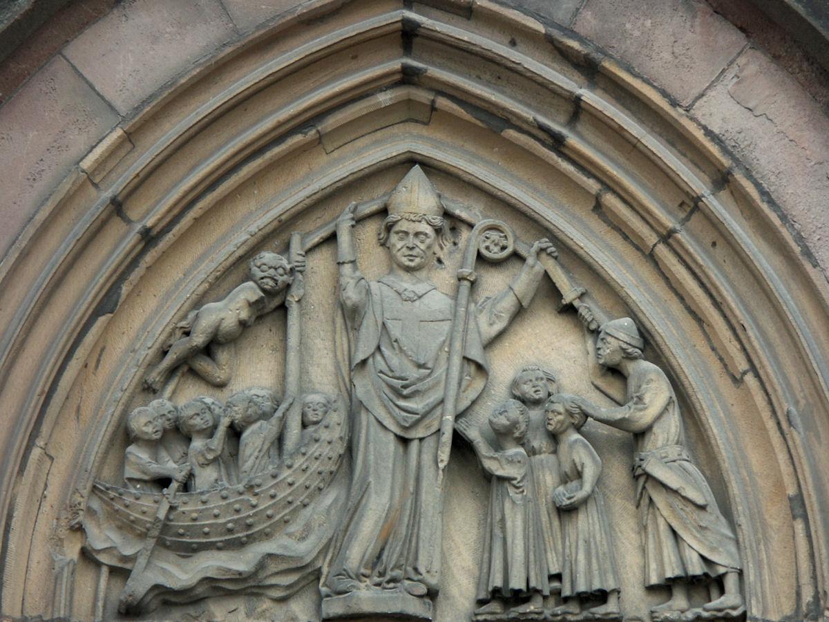 Święty Mikołaj to biskup, a nie brodaty krasnal