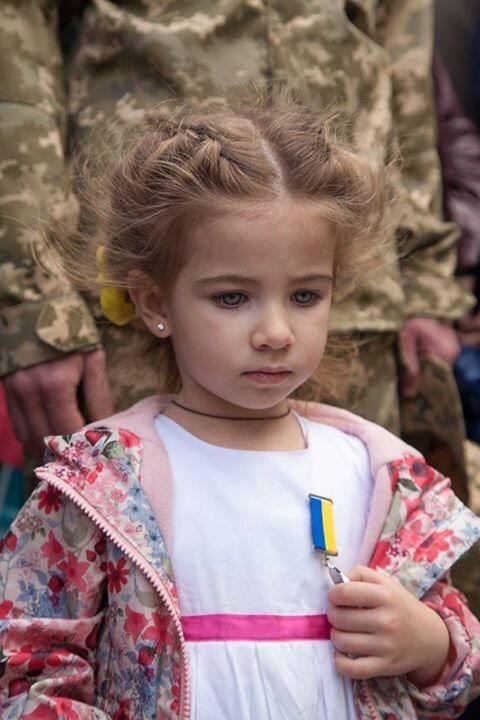 WOLNY CZYN: Wojna i dziecko