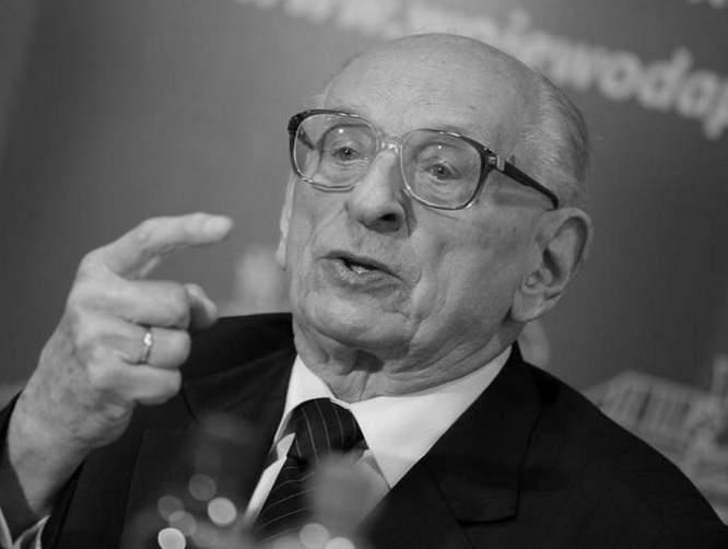 Władysław Bartoszewski nigdy nie był, nie będzie profesorem