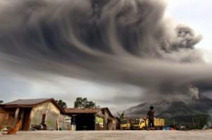 erupcja-wulkany-450x299