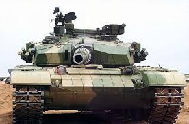 """Chiński konkurent """"Uralwagonzawoda"""" poddał ostrej krytyce rosyjski T-14 """"Armata"""" albo """"Armatą"""" po oczach"""