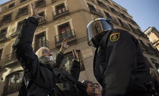 Koniec wolności słowa i wolności zgromadzeń w Hiszpanii
