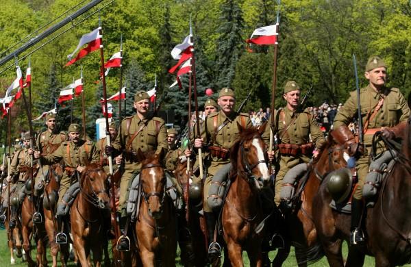 WOLNY CZYN: Niepodległość, suwerenność, i polityka prezydenta Dudy