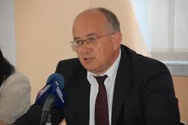 Witold Kochan spada na cztery łapy albo o republice kolesi