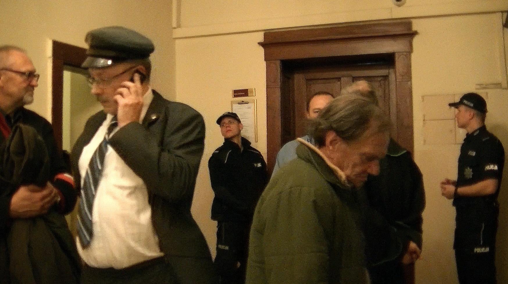 """WOLNY CZYN: """"Jesteś zwykłym komunistycznym bandytą"""". Sąd w Katowicach"""