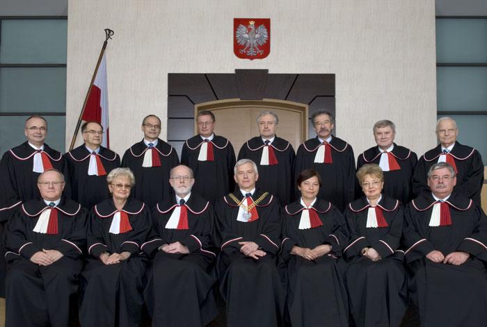 Droga Polski do UE, Konstytucja i Trybunał Konstytucyjny