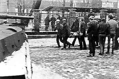 z598701Q,16-12-1981--Katowice--Stan-wojenny---pacyfikacja-strajku