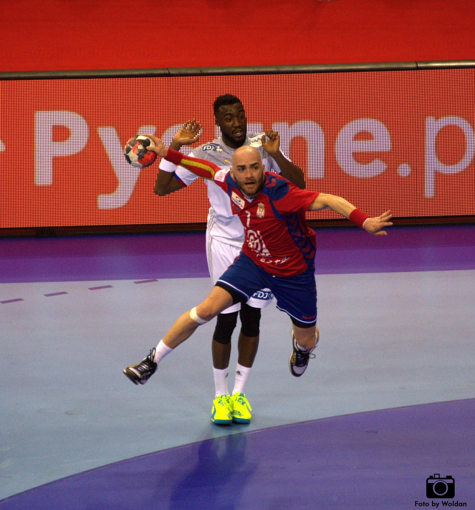 Francja ograła Serbów 36:26 w EHF Euro 2016