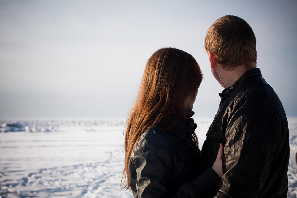 3 pomysły na zimowy romantyczny wieczór we dwoje