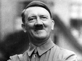 Z gracją Hitlera. Unia chce nas uczyć demokracji!