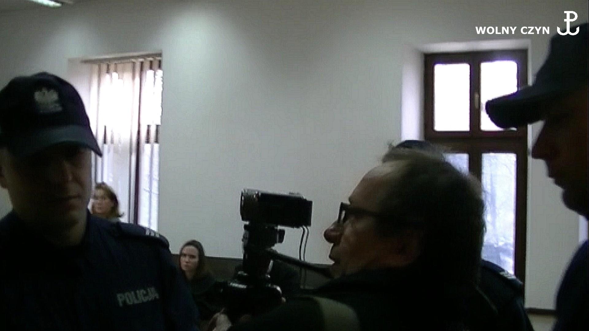 WOLNY CZYN: Rząd Dobrej Zmiany represjonuje RKW i dziennikarzy