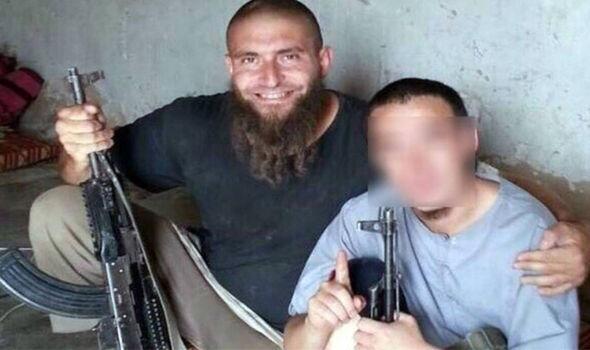 prof z synem w ISIS