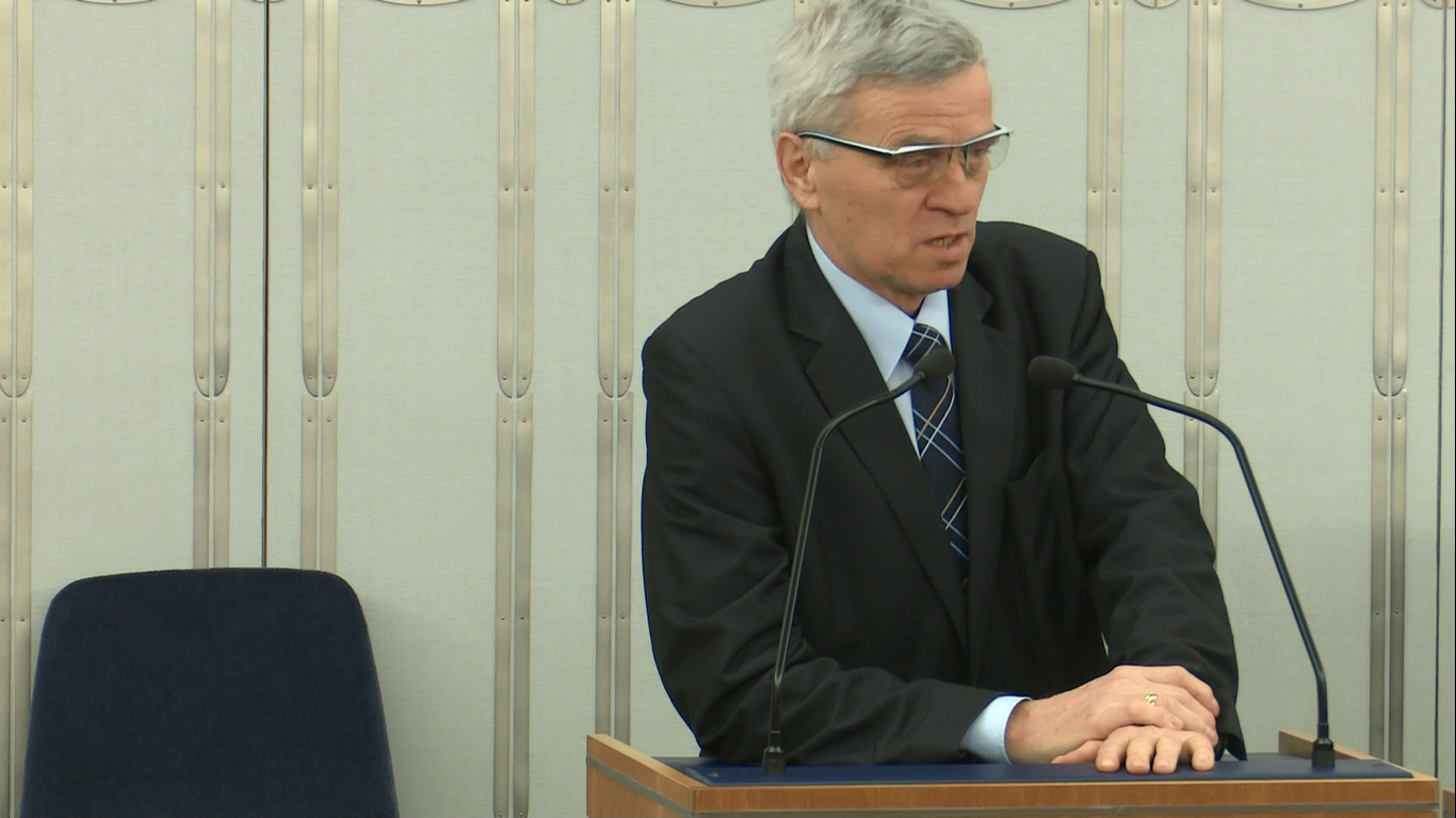 Senator Stanisław Kogut idzie w ślady poseł Barbary Bartuś i…