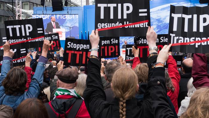 Unia Europejska, powolna erozja europejskiej demokracji, czyli jak powstaje transatlantyckie porozumienie o wolnym handlu.