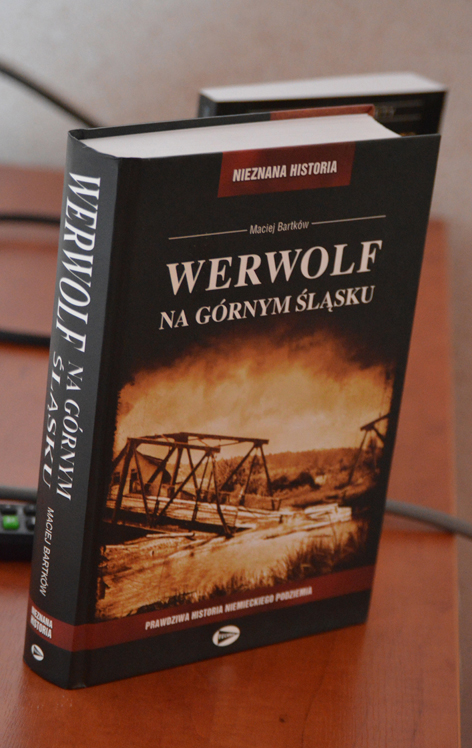 """Maciej Bartków i jego książka """"Werwolf na Górnym Śląsku"""" w Centrum  Inicjatyw Społecznych w Rudzie Śląskiej"""