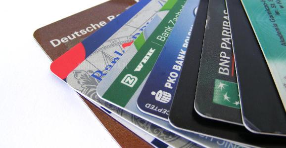 Niechętni kartom kredytowym – klienci czy… banki?